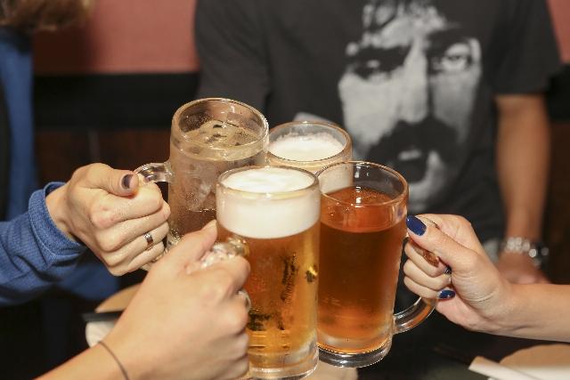飲み会で気に入られる新人幹事の挨拶例とマナー・立ち振舞いや役割
