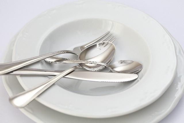 知らないと恥!洋食でのナイフとフォークを使うときのマナーとは