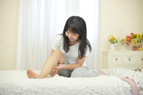 足のむくみが取れない!症状と原因・対策方法まとめ