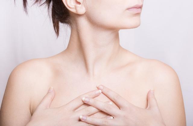 妊娠中に乳腺になんだか痛みや痒みが・・・原因と効果的な対処法とは?