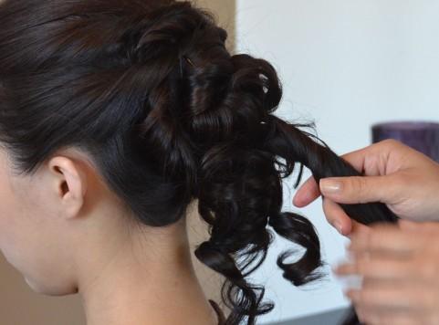 シュシュやロング・ハーフアップはアリ?お葬式での女性向け髪型