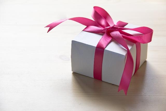 【女性向け】新社会人にプレゼントしたいおすすめの品ランキング