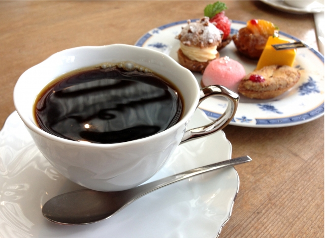 家庭訪問に伺う先生の玄関先でのマナー!お茶菓子はどうするべき?