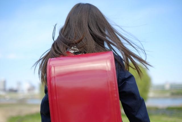 子育て教育費用は月々いくら?成人までの費用はどれくらいかかる?
