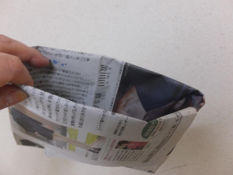 酔った時使える!新聞紙やチラシ1枚で作るエチケット袋の作り方