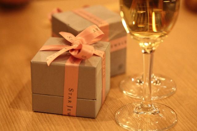 旦那向け!本当に喜ばれる嫁へのクリスマスプレゼントとその選び方・探し方