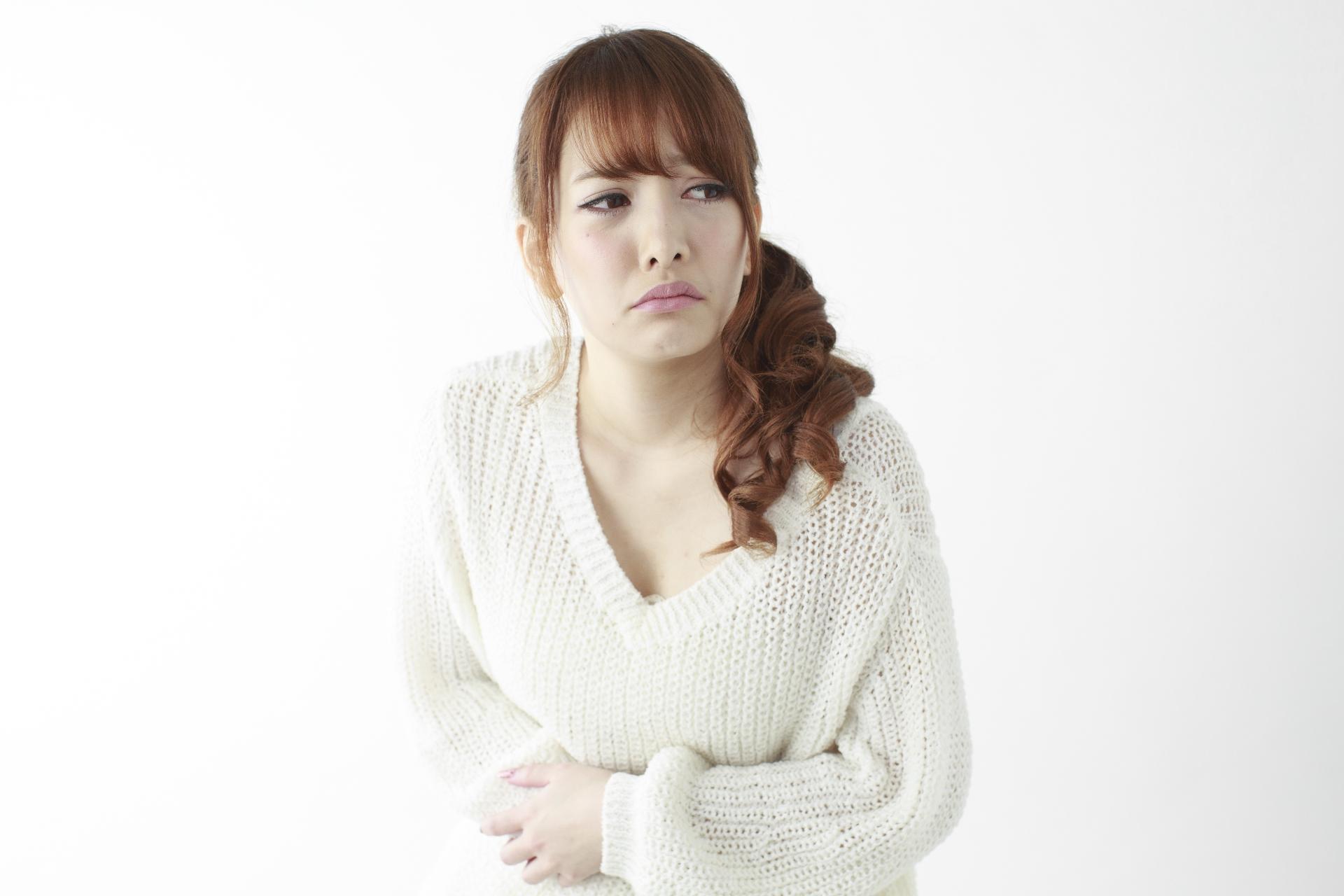 ストレスに弱いからかも?突然夜中にお腹が痛くなった時の原因と対処法