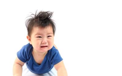 赤ちゃんが抱っこ紐を嫌がる時の対処法まとめ