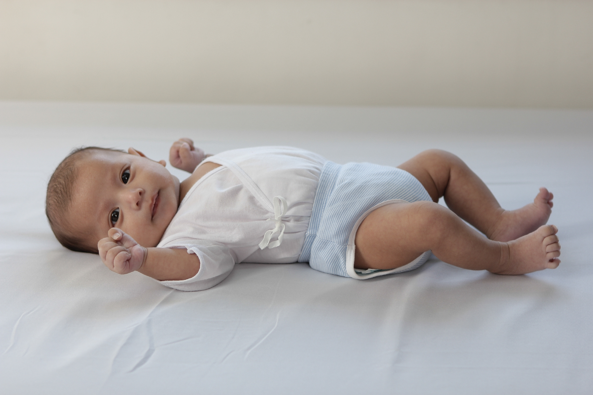 赤ちゃんがおむつかぶれになった時の対処法。皮膚科の薬と市販薬はどちらが良いの?