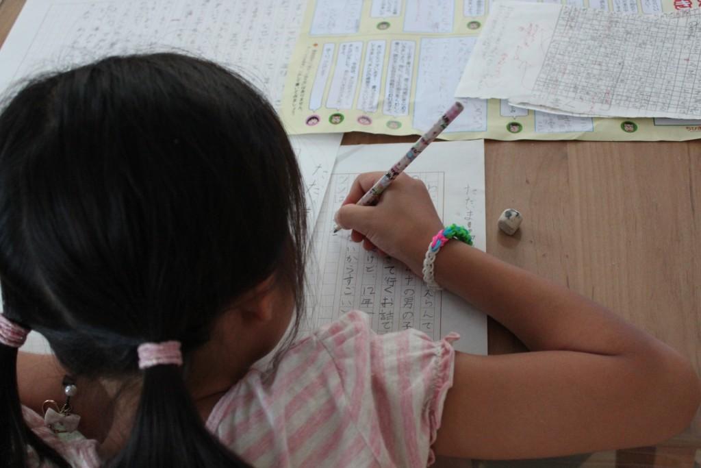 小学校の作文でウソを書くってあり?実体験のない作文に意味はある?