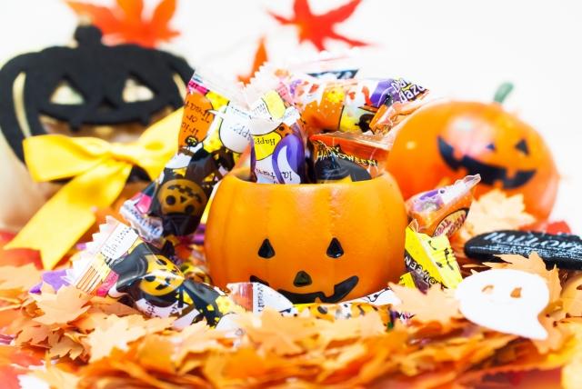大人も子供もやるなら本気で。ハロウィンのウィッグや衣装・お菓子準備や飾り付けのエトセトラ