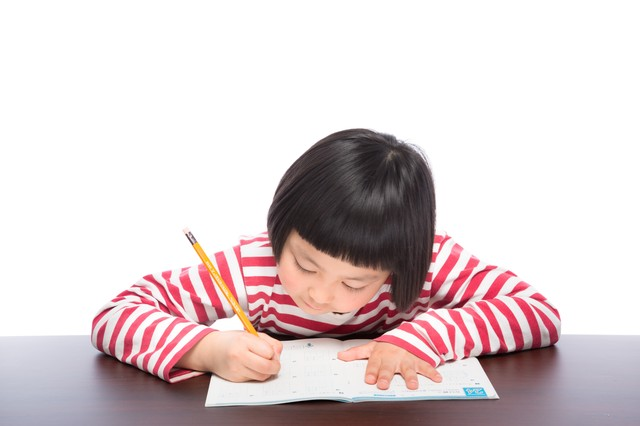 【小学生】将来の夢の作文の書き方・例文と文例。テーマの見つけ方