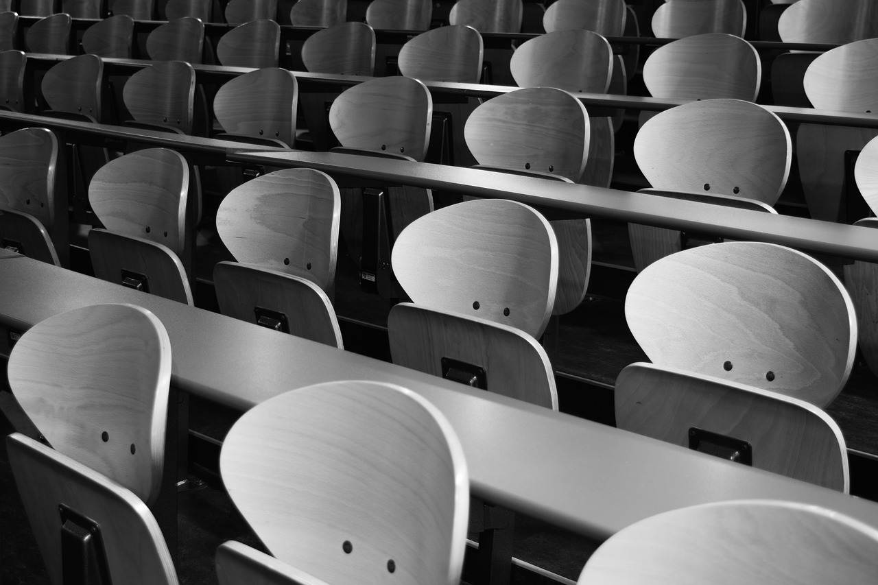 chairs-1814602_1280
