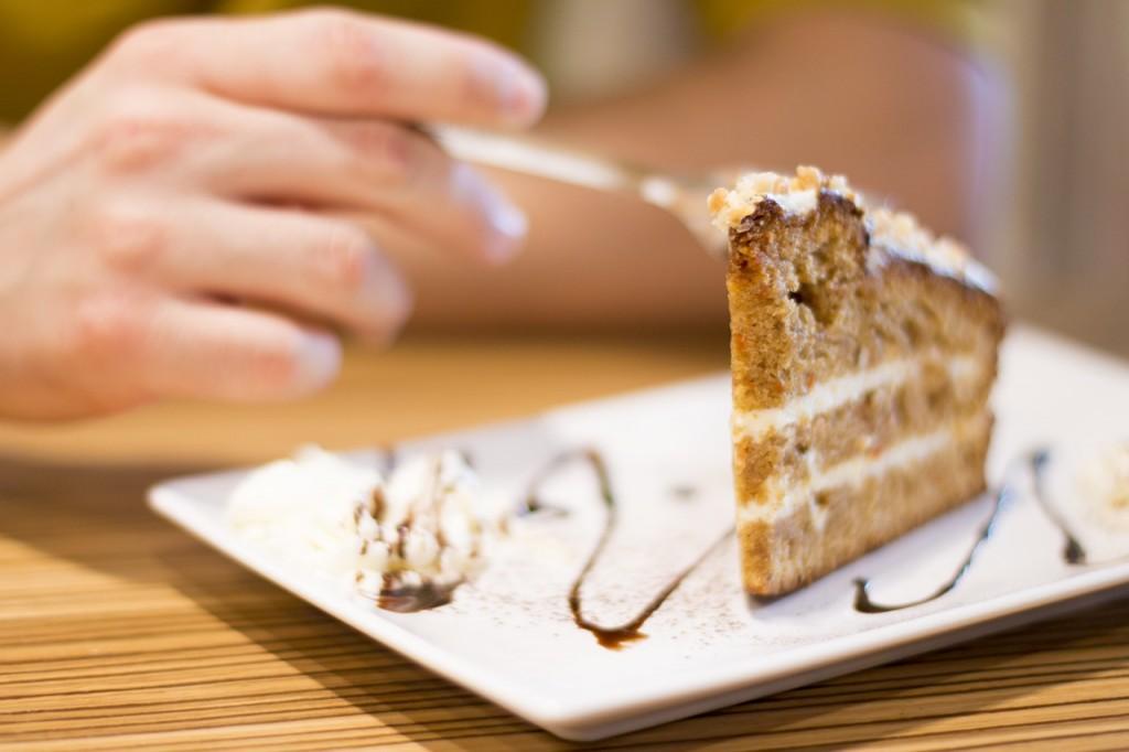 食欲が止まらなくてヤバイ!食べたい気持ちを抑える超簡単な方法とは