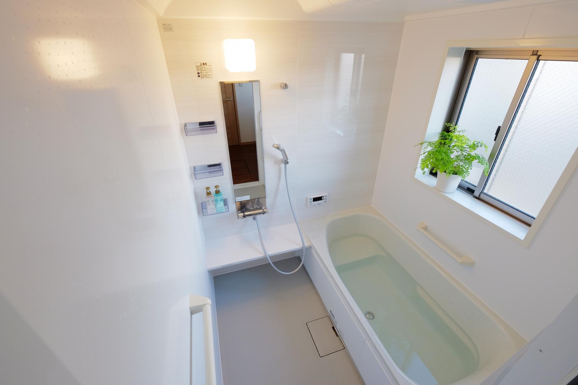 お風呂や台所のシンクにぬめりが!原因と重曹などを使ってキレイに取る方法