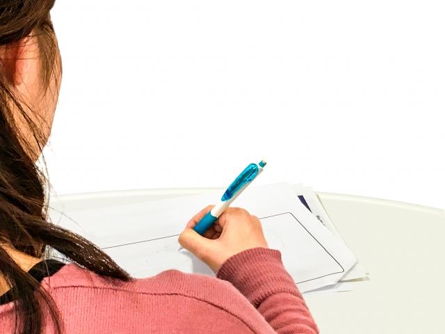 宿題の作文を代行してもらうのがダメな理由。文章能力や考えを整理する力が身につかない
